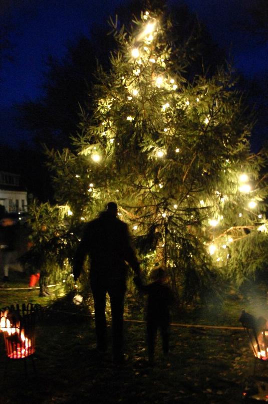 Donderen is deze tijd voor Kerst prachtig verlicht
